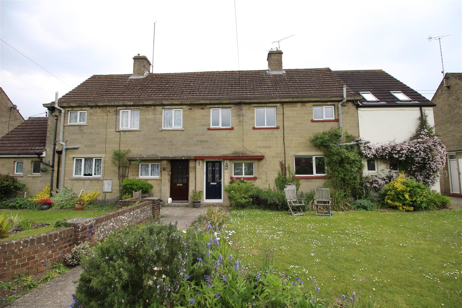 4 Bedrooms Property for sale in Downs View, Lydiard Millicent, Swindon